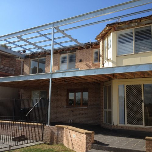 what are the benefits fo building a steel framed house