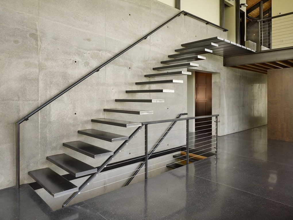 benefits of a steel staircase